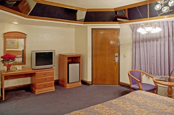 Americas Best Value Inn & Suites SW - Room