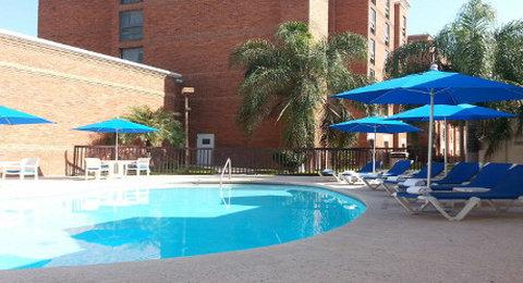 Wyndham Garden Monterrey Norte - Pool View