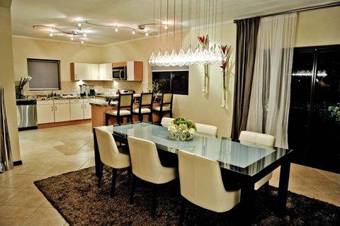 Gold Coast Aruba - Villa Dining Room