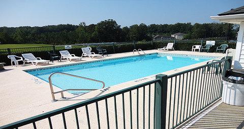 Jameson Inn Oakwood/Gainesville - Pool view