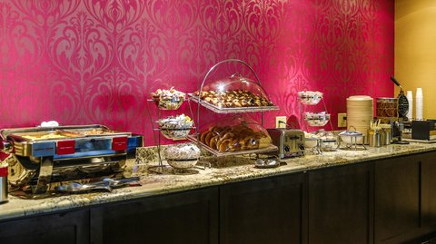 Hampton Inn Dallas-North-I-35E At Walnut Hill - Breakfast Area