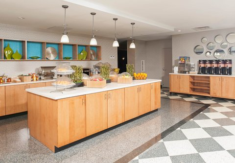 SpringHill Suites Chicago O'Hare - Breakfast Buffet
