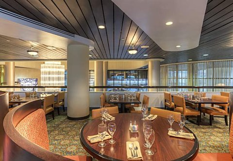 Chattanooga Marriott Downtown - The Terrace Grille   Dining Area