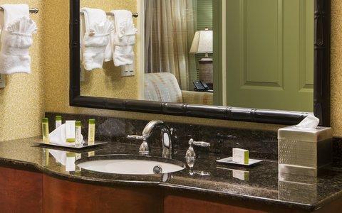 DoubleTree Suites by Hilton Naples - Bathroom