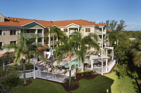 DoubleTree Suites by Hilton Naples - Outdoor Pool