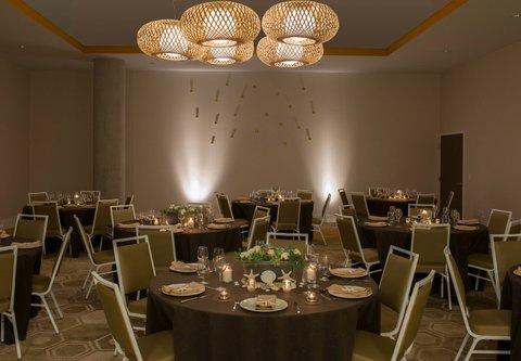 SpringHill Suites San Diego Oceanside/Downtown - Oceanside Pier Meeting Room   Banquet Setup