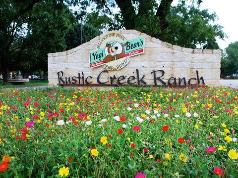 Rustic Creek Ranch Resort - Exterior view