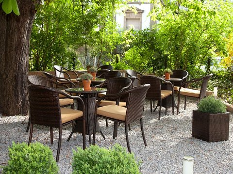 Spalentor Hotel Basel - Outdoor Seating Area
