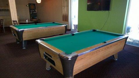 Days Inn Goodland - pool table