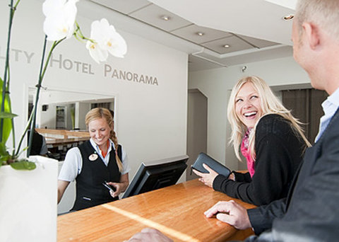 Quality Panorama Hotel - frontdesk