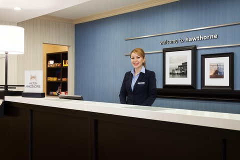 Hampton Inn LAX Hawthorne - Front Desk