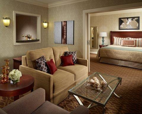 Omni Hotel At Cnn Center - Suite