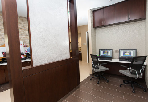 SpringHill Suites Bloomington - Business Center