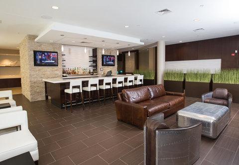 SpringHill Suites Bloomington - Lobby Bar