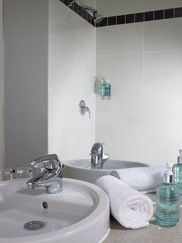 جوريز إن بلفاست - Bathroom