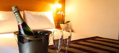 جوريز إن بلفاست - Champagne