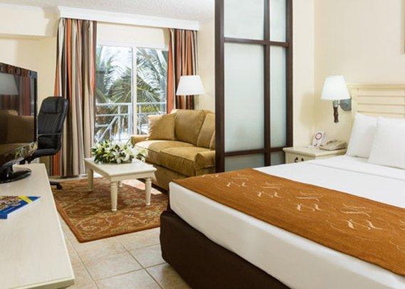 Comfort Suites Paradise Island Vista della camera