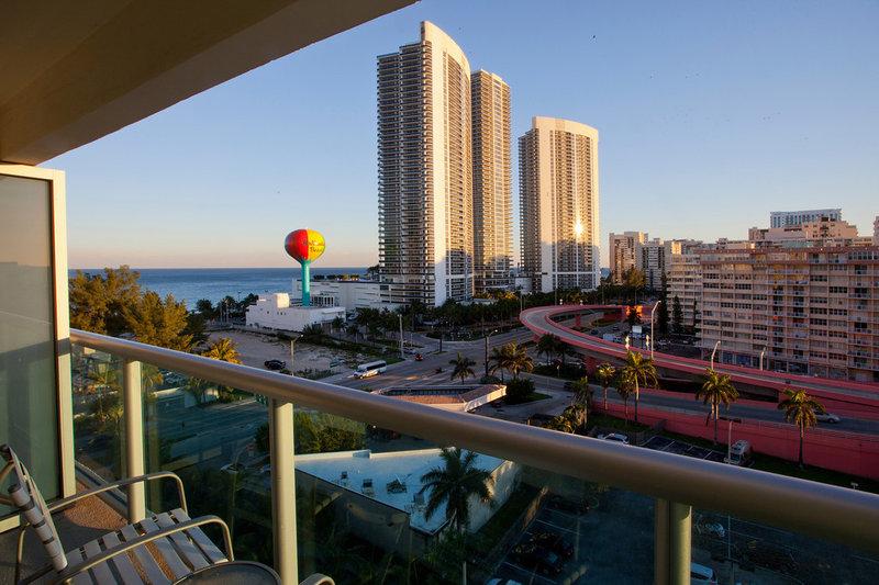 Crowne Plaza HOLLYWOOD BEACH RESORT - Hollywood, FL
