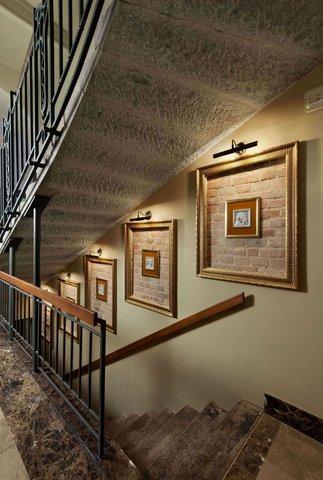 Hotel Grandezza - stairs