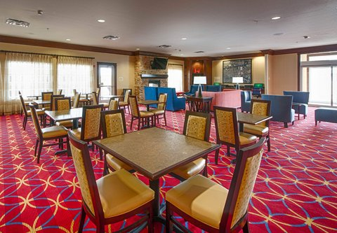 TownePlace Suites El Paso Airport - Breakfast Dining Area