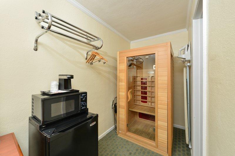 Americas Best Value Inn & Suites-San Francisco/Golden Gate Suite