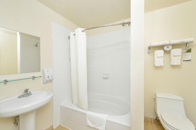 Americas Best Value Inn & Suites-San Francisco/Golden Gate View of room