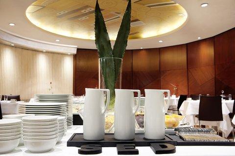 فندق كلاريس جي إل - Breakfast