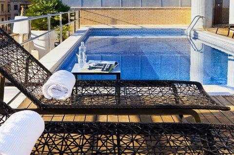 فندق كلاريس جي إل - Pool