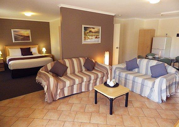 Comfort Inn & Suites King Avenue Lobby