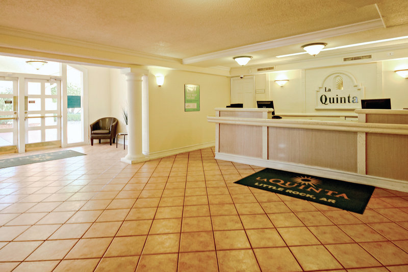 La Quinta Inn Little Rock West Lobby