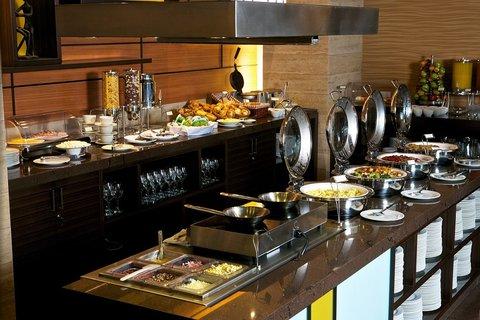 Holiday Inn GUAYAQUIL AIRPORT - Buffet Breakfast Connexion Bistro Bar 1