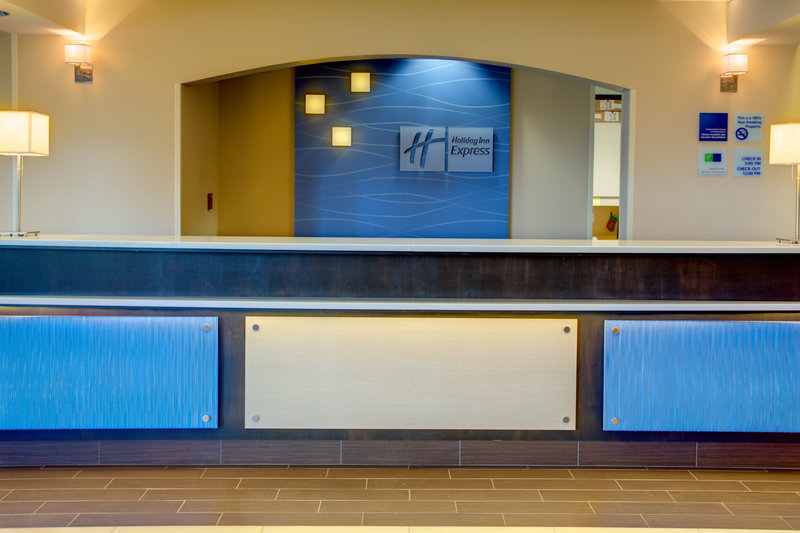 Holiday Inn Express Bellingham Lobby