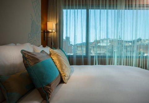 Renaissance Barcelona Hotel - Queen City View Room