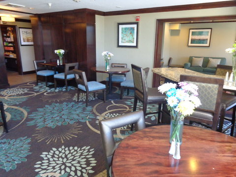 Staybridge Suites CO SPRINGS-AIR FORCE ACADEMY - Lobby Lounge