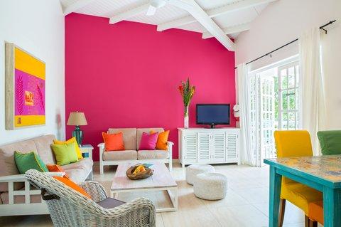Boardwalk Boutique - Living room