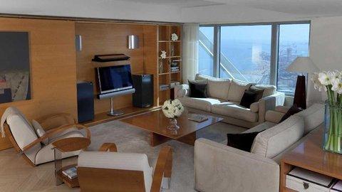 فندق آرتس برشلونة - Apartments Living Room With View