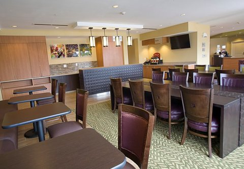 TownePlace Suites Jackson Ridgeland/The Township at Colony Park - Breakfast Dining Area