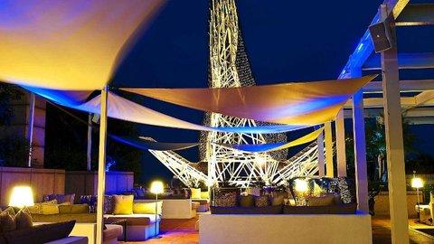 فندق آرتس برشلونة - Arola Terrace At Night