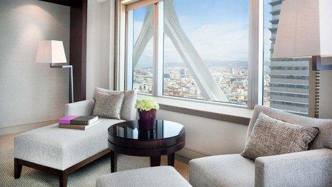 فندق آرتس برشلونة - Deluxe Room Ottoman