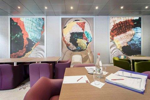 Mercure Centre Opera - Meeting Room