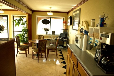 Americas Best Value Inn Abilene - Lobby Breakfast Area