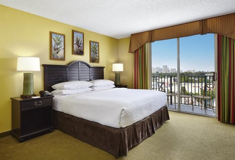 Embassy Suites Fort Lauderdale - 17th Street - King Bedded Room In Fort Lauderdale