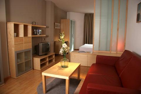 Aramunt Apartments - Apartments Living Room Standard