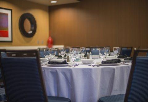 Courtyard Columbus - Castleberry Meeting Room   Banquet Details