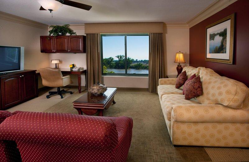 Embassy Suites Sacramento - Riverfront Promenade Huonenäkymä