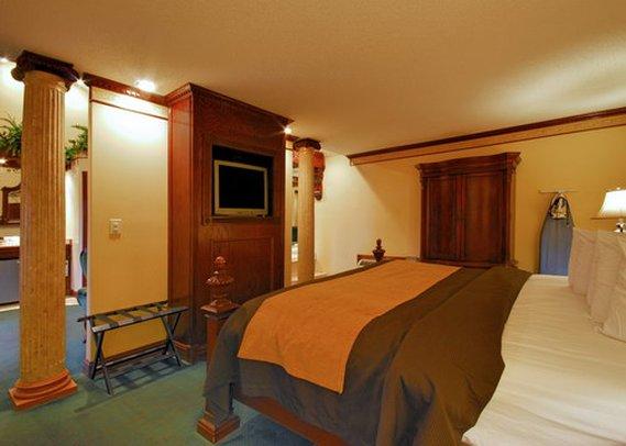 Econo Lodge At The Falls North - Niagara Falls, NY