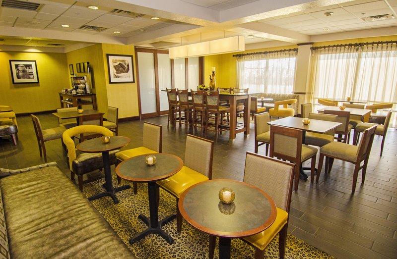 Hampton Inn Edmond Restauration