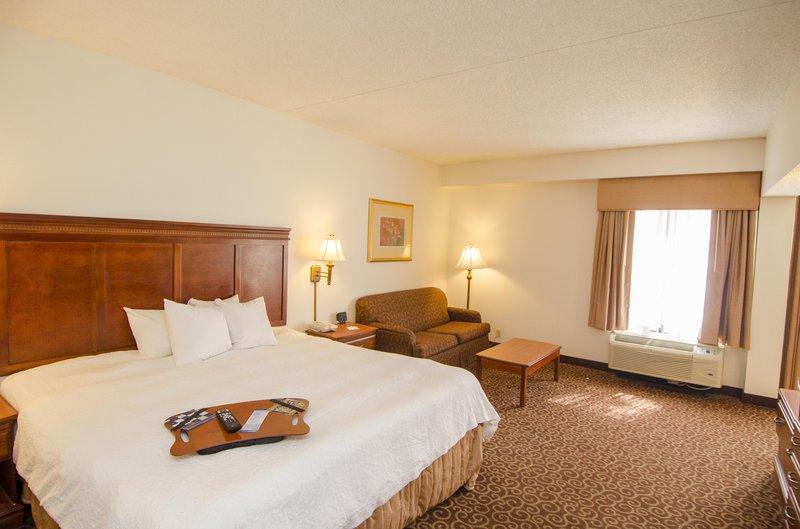 Hampton Inn Edmond Suite