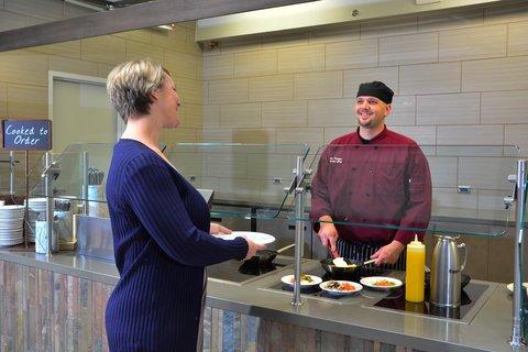 Embassy Suites Hotel-Denver Stapleton - Breakfast Area