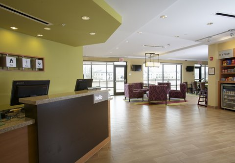 TownePlace Suites Jackson Ridgeland/The Township at Colony Park - Lobby